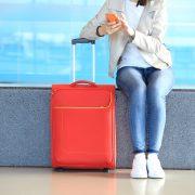 Atraso de voo mala vermelha